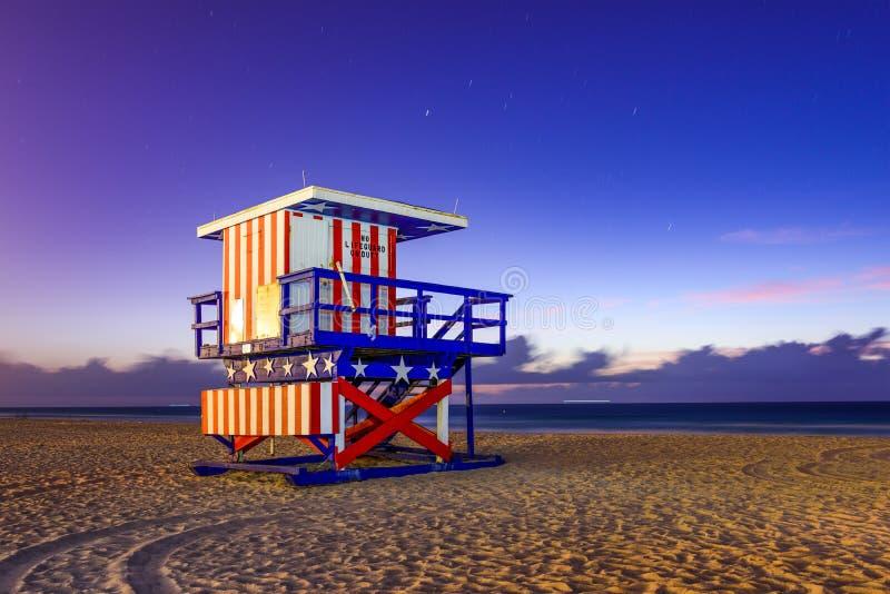 海滩救生员迈阿密塔 免版税图库摄影
