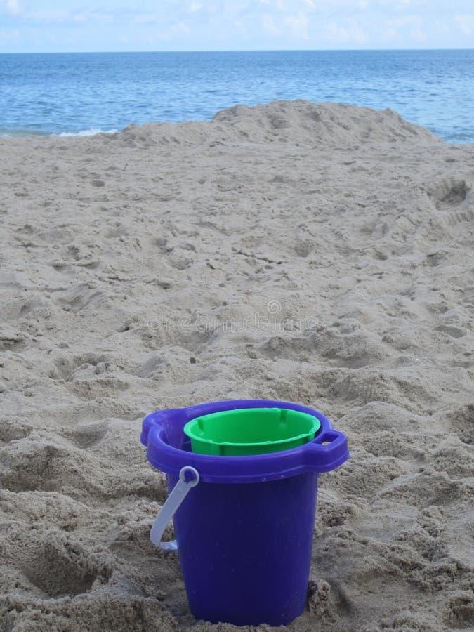 海滩桶 图库摄影