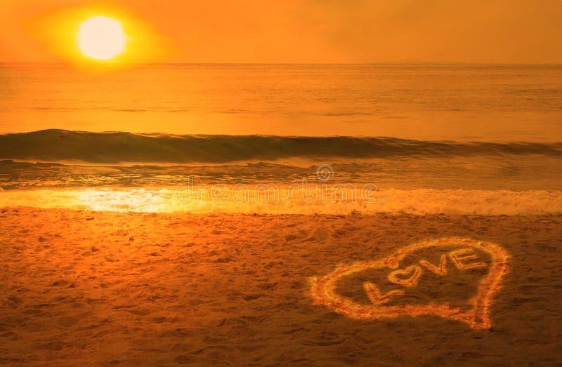 海滩概念夫妇现有量爱 免版税库存图片