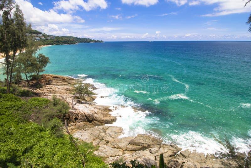 海洋海石头海滩 库存图片