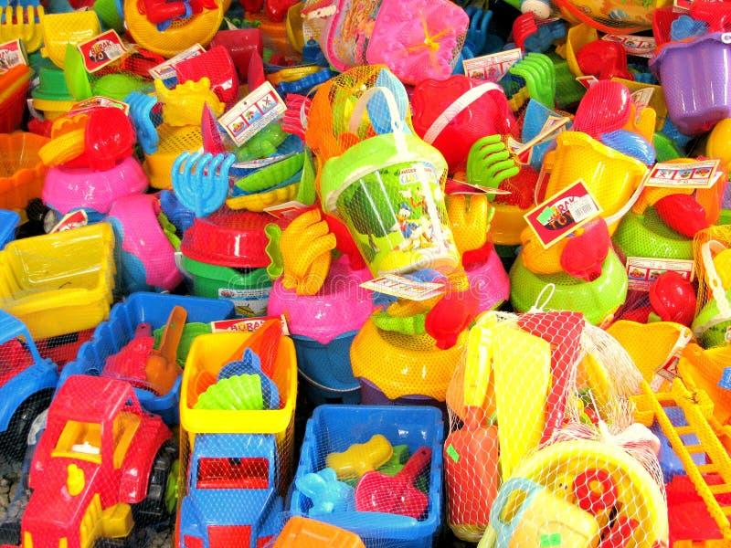 海滩玩具待售在罗马尼亚 免版税库存照片