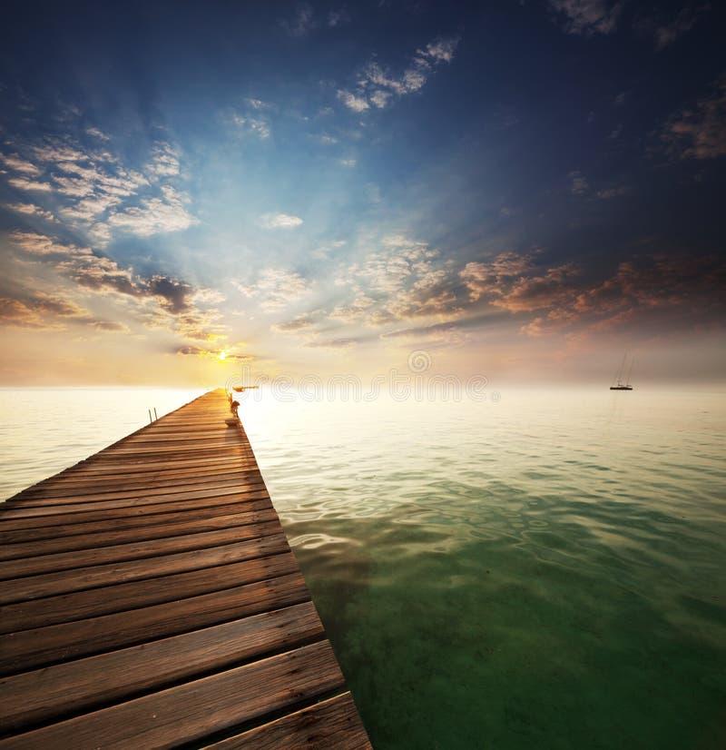 海滩的木板走道 库存照片