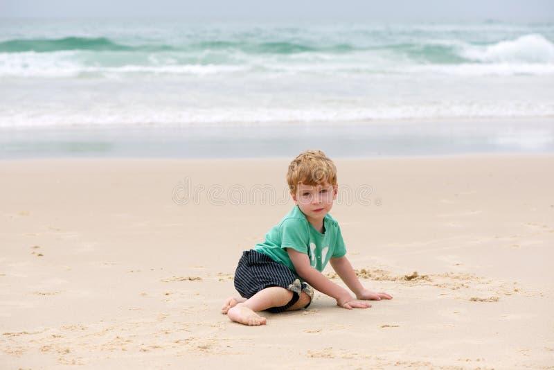 海洋的男孩 库存图片