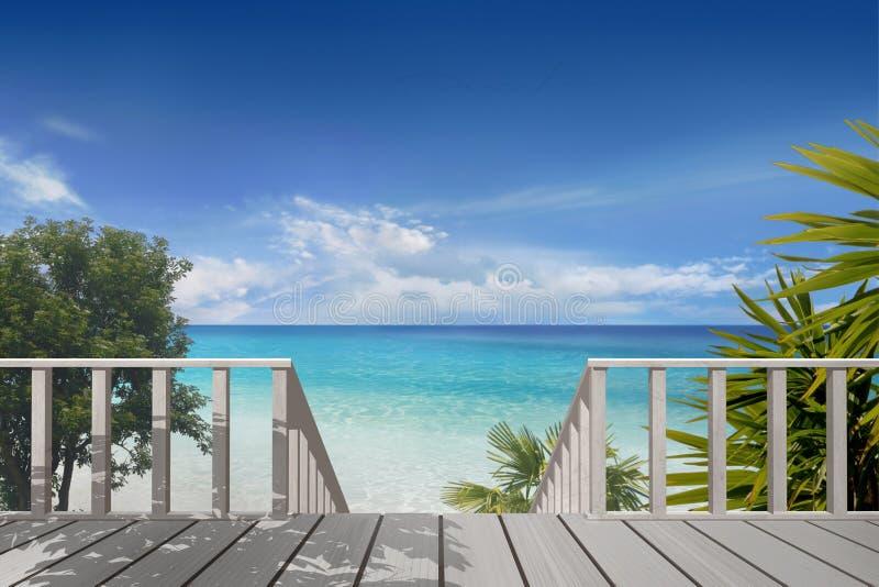海滩的阳台 免版税库存照片