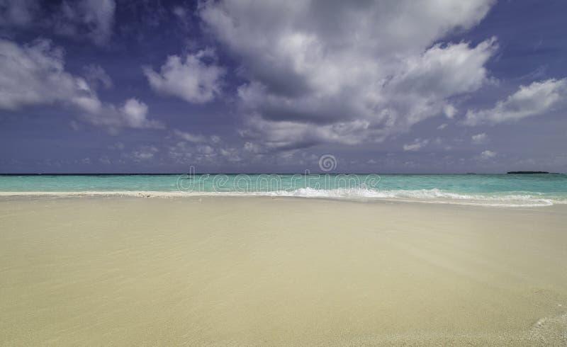 海滩美好的全景在马尔代夫 库存照片