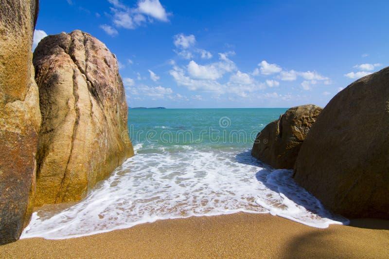 海滩视图苏梅岛海岛早晨 免版税库存照片