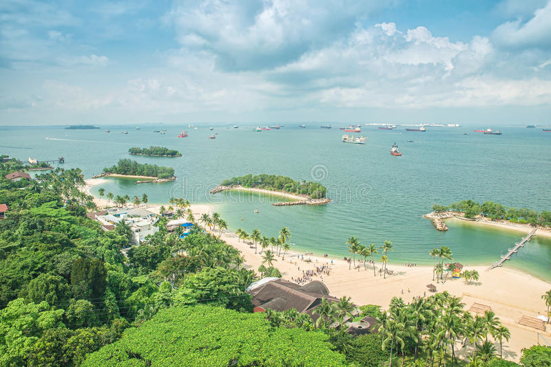 海滩鸟瞰图在圣淘沙海岛,新加坡 图库摄影