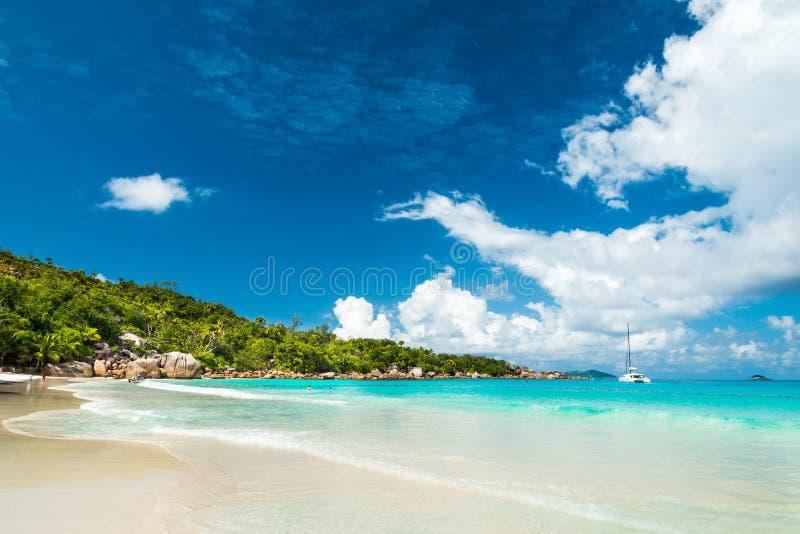 海滩,普拉兰岛海岛,塞舌尔群岛 免版税库存图片