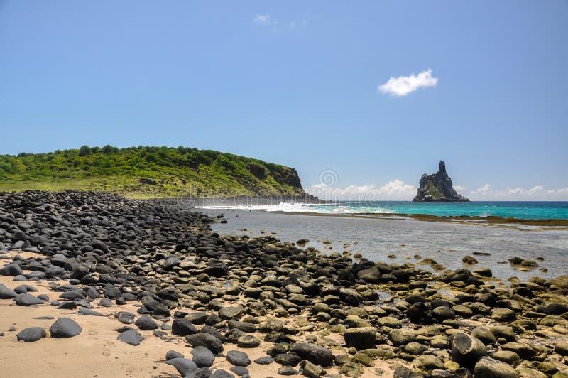 海滩Atalaia,费尔南多・迪诺罗尼亚群岛, Pernambuco (巴西) 免版税图库摄影