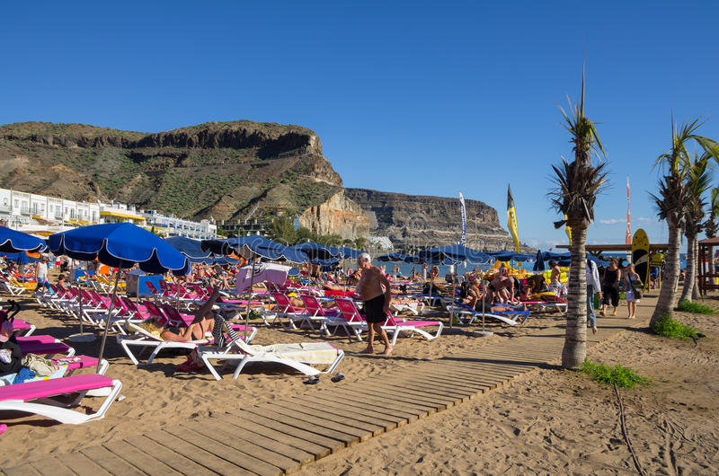 海滩Puerto de Mogan 免版税图库摄影