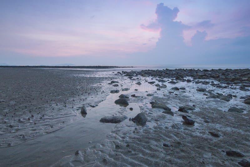 海滩Snenic视图在巴厘岛 免版税库存图片