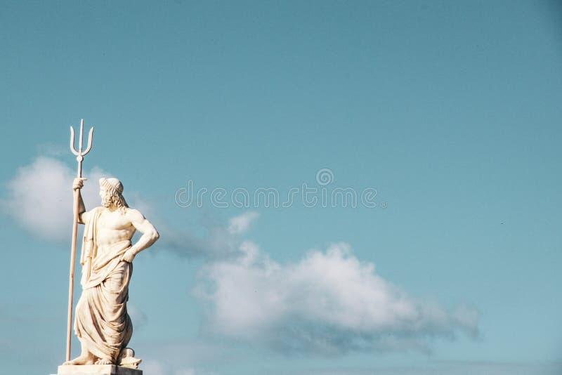 海poseidon雕象的希腊神 免版税库存照片