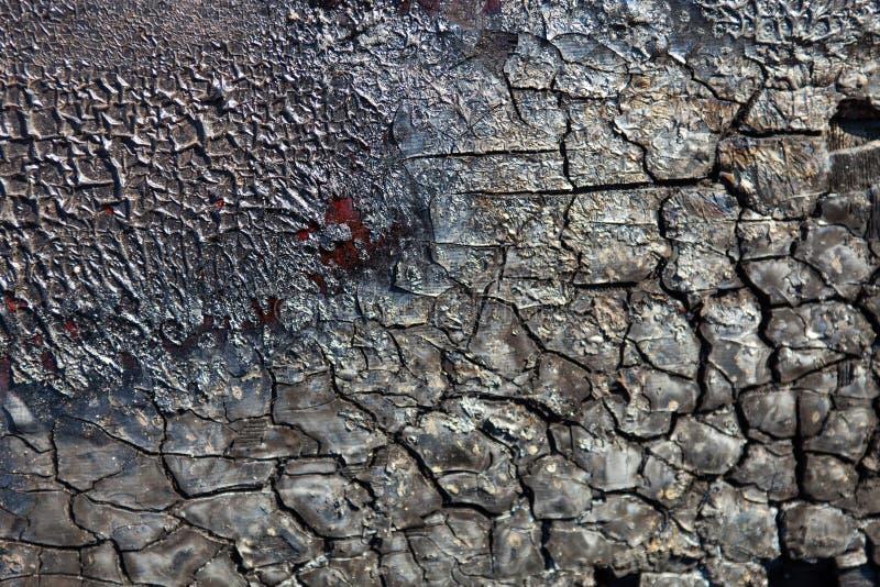消失的表面破裂和烧焦在火以后 免版税库存图片