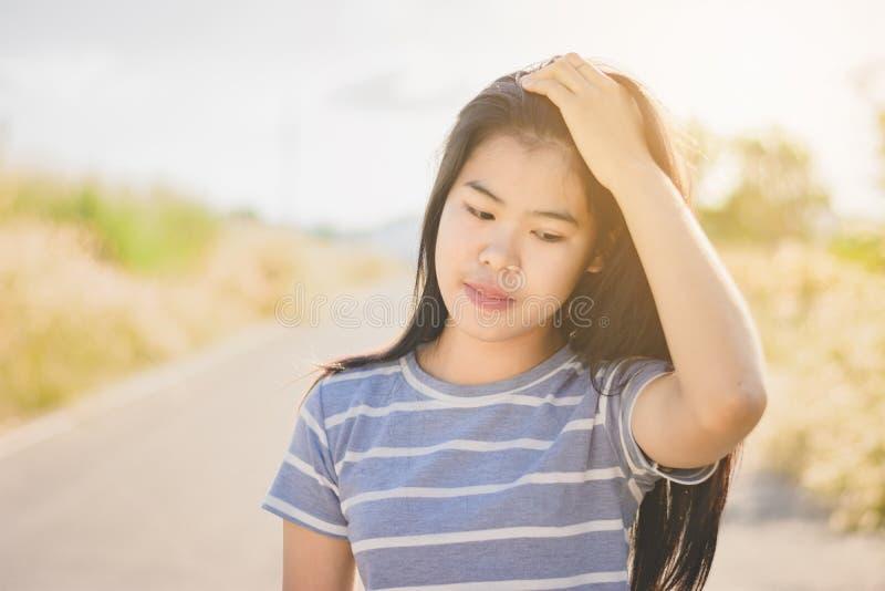 消沉和失望的si画象美丽的亚裔妇女 库存照片