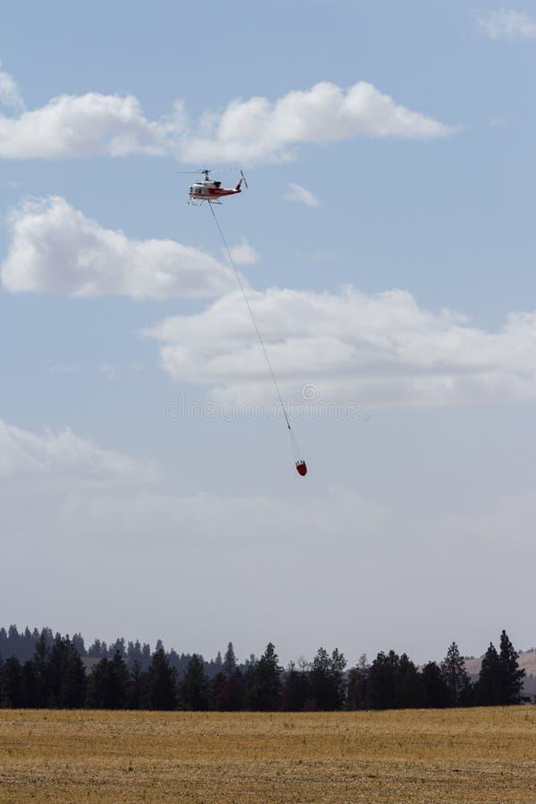 消火直升机 免版税库存照片