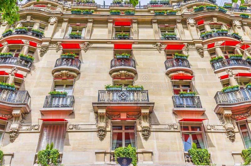消耗大的门面法国旅馆 免版税库存图片