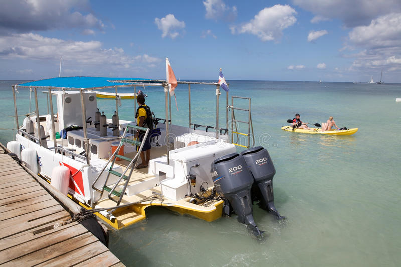 消遣小船的潜水 库存图片
