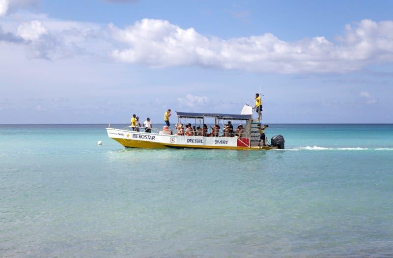 消遣小船的潜水 图库摄影