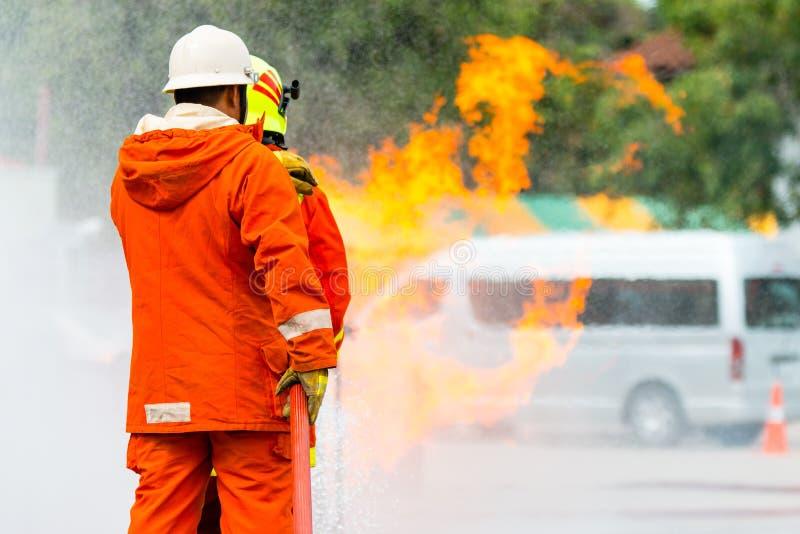 消防队员的培训 免版税库存图片