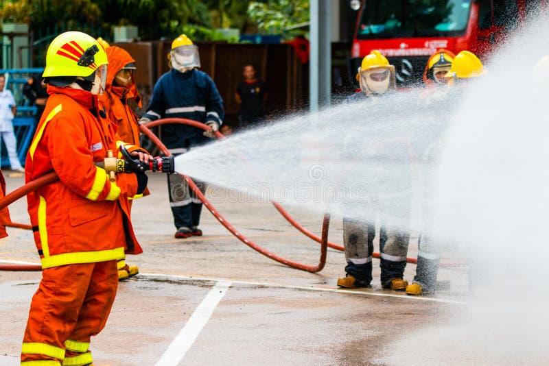 消防队员的培训 免版税图库摄影