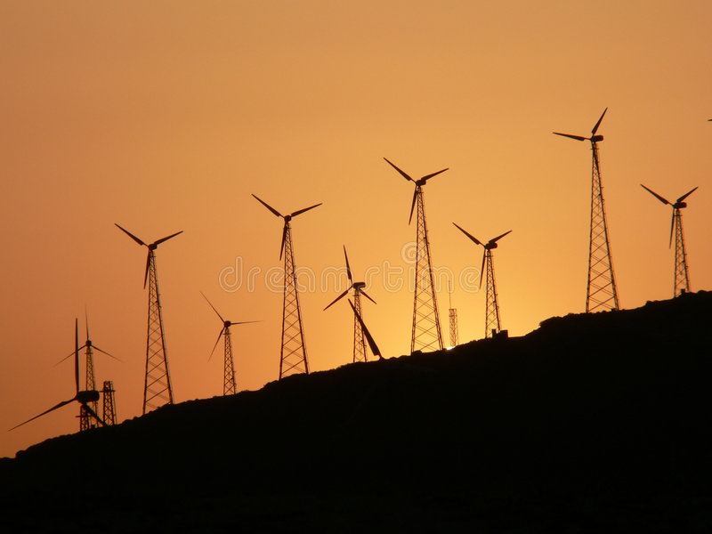 Download 涡轮风 库存图片. 图片 包括有 日落, 沿海, 农场, 能源, 环境, 下来, 海岸, 涡轮, 公园, 磨房 - 178905