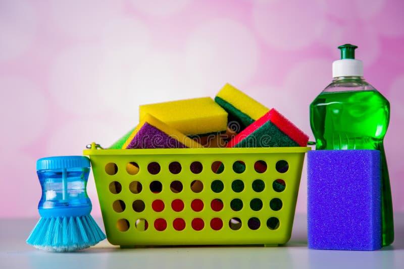 洗涤的和清洗的概念,在明亮的背景的清洗的集合 免版税图库摄影