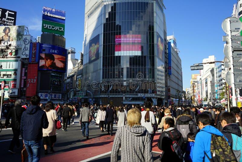 涩谷的繁忙的横穿交叉点周末 免版税图库摄影
