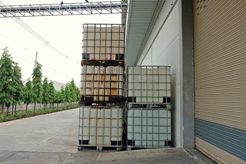 液体的散装货物集装箱 库存图片