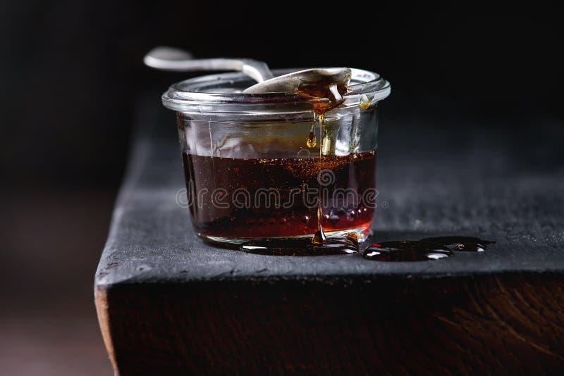 液体糖焦糖 库存图片