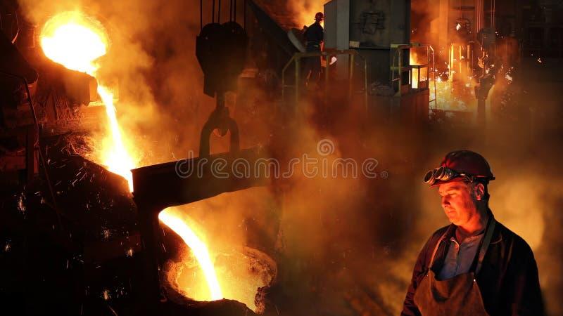 液体金属在铸造厂 免版税库存照片