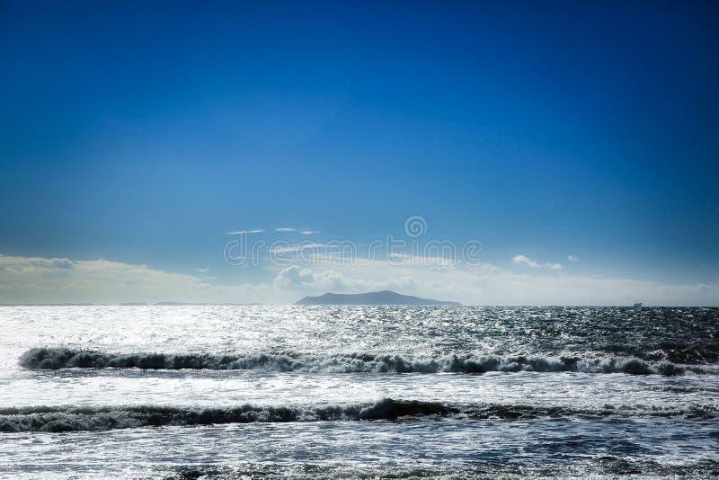 淡光太平洋的波浪 库存照片