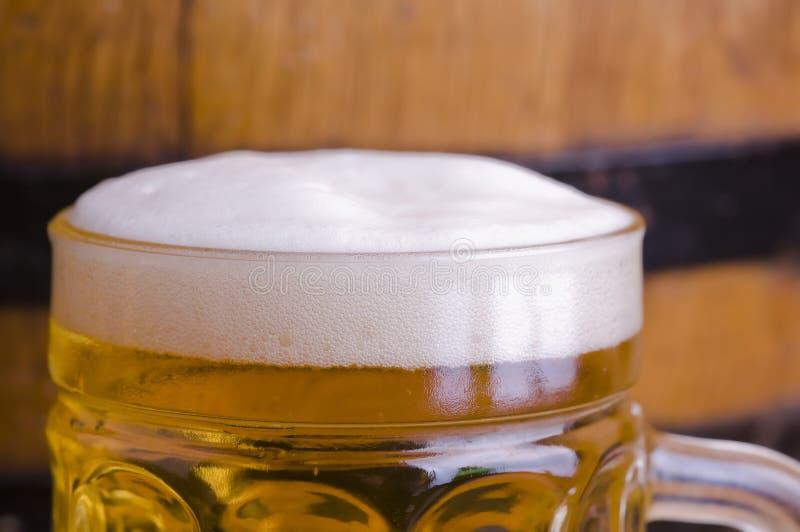 淡啤酒玻璃 免版税库存图片