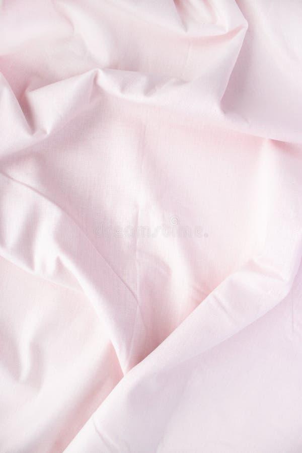 淡粉红的被弄皱的亚麻布 您的设计、文本等等的地方 免版税库存照片