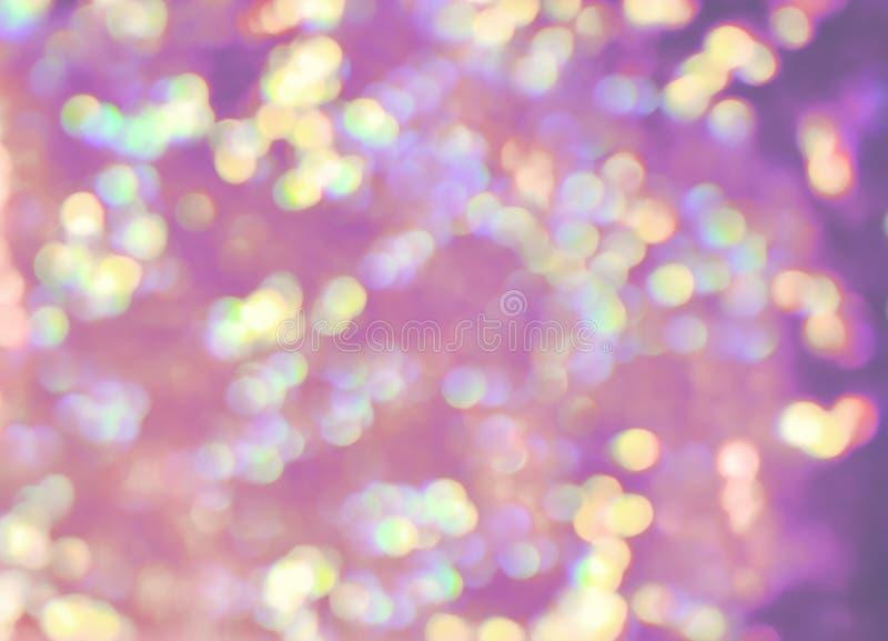 淡色丁香,绿色,黄色,紫罗兰,紫色bokeh点燃,真正的p 免版税库存照片