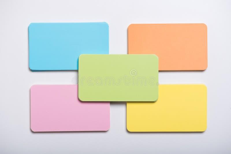 淡色空白嘲笑的企业名称卡片在白色backg 库存图片