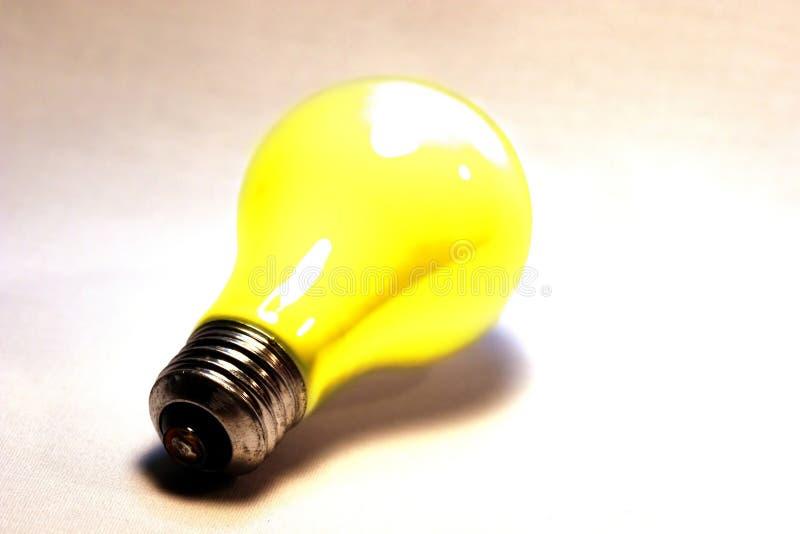淡黄色的电灯泡 免版税库存图片