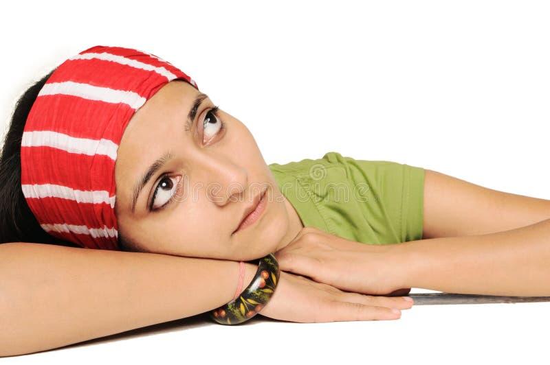 深女孩印地安人认为的年轻人 免版税库存照片