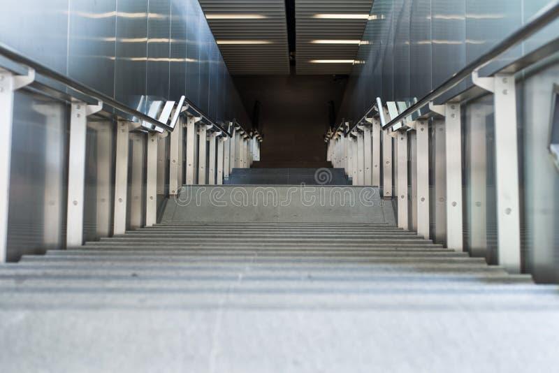 深楼梯 免版税库存照片