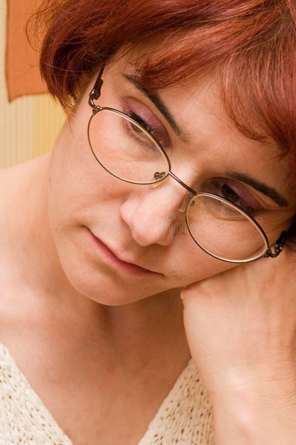 深色头发的夫人 库存图片