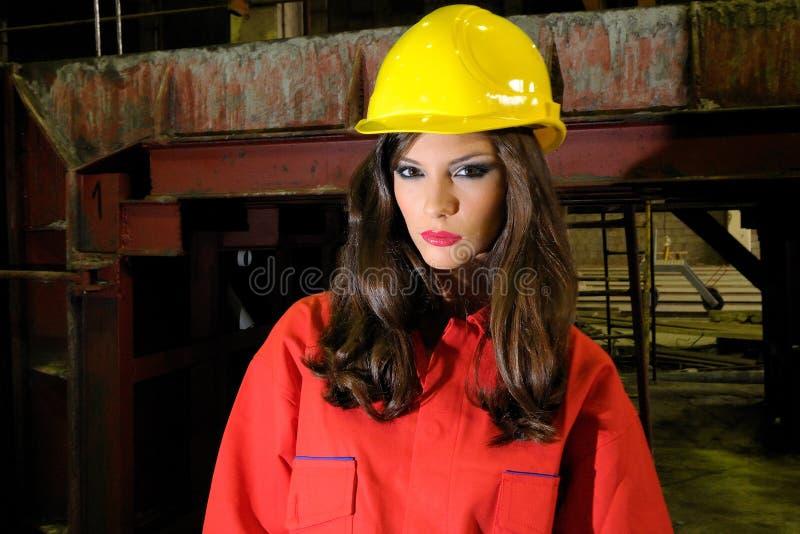 深色的重工业工作者 库存图片