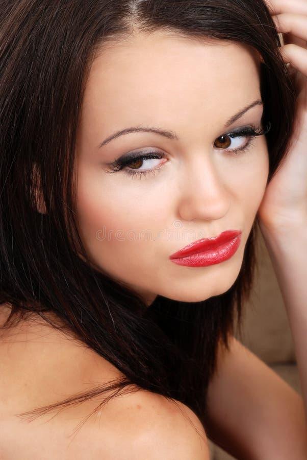 深色的headshot唇膏红色 图库摄影