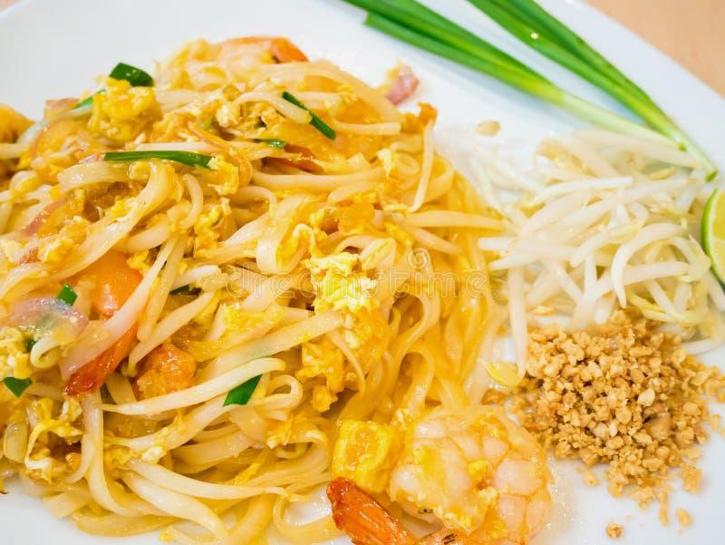 混乱油煎的米线,填塞泰国 免版税库存照片