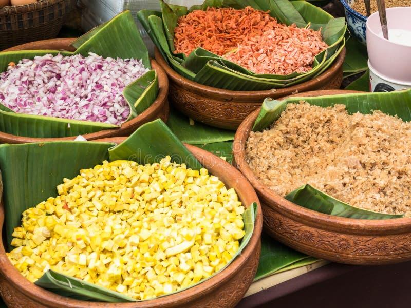 混乱油煎的米线& x28成份; 垫Thai& x29; 库存图片