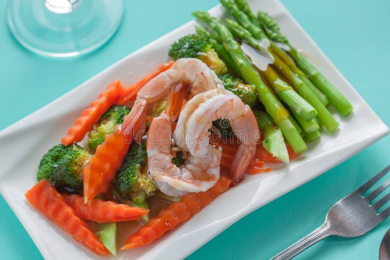 Download 混乱油煎的蔬菜 库存图片. 图片 包括有 短冷期, 豌豆, 混合, 膳食, 食物, 样式, 油炸物, 剪切 - 62536191