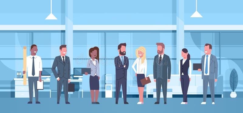 混合商人种族队现代办公室概念小组的成功的商人和女实业家工作场所 库存例证