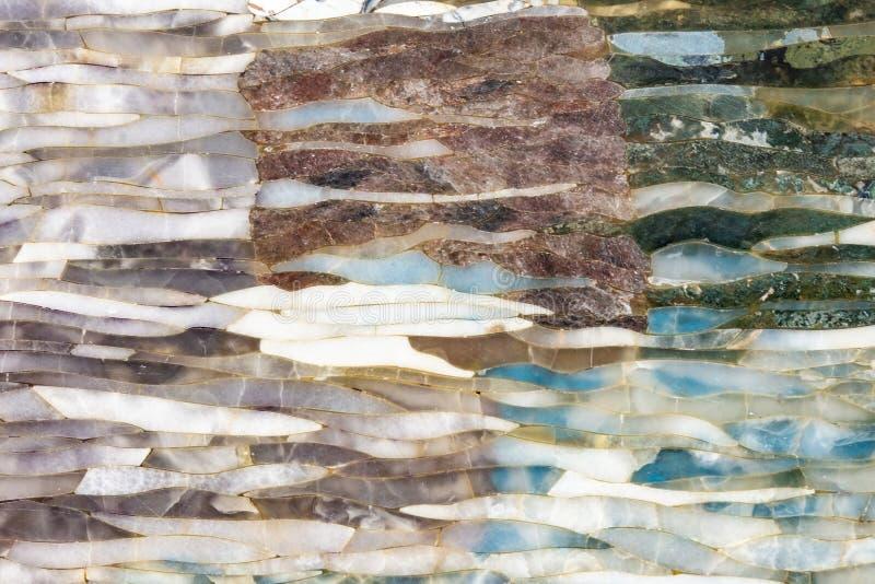 混杂的自然宝石纹理,宝石表面背景 免版税库存照片