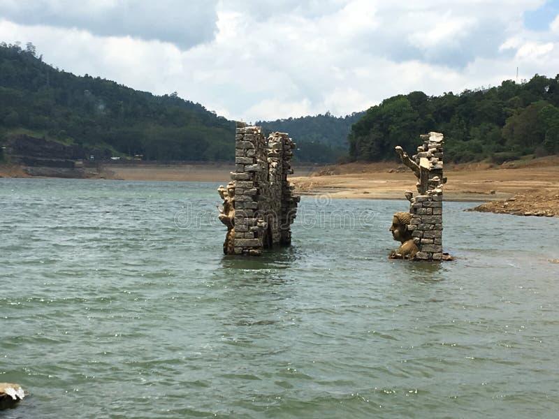 淹没寺庙 免版税库存照片