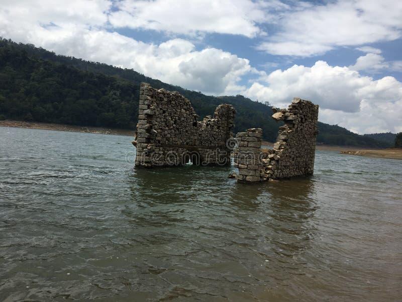 淹没寺庙 库存图片