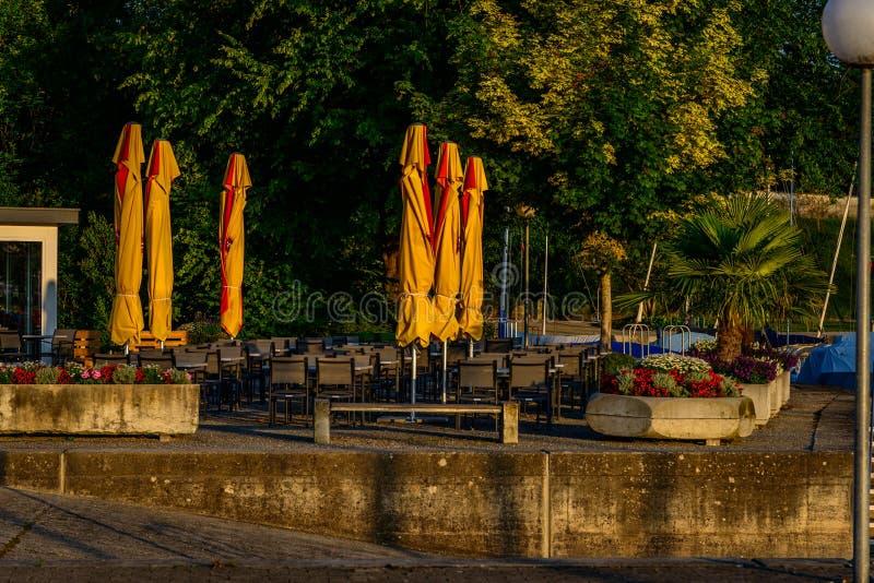清早在一个小口岸的夏天在博登湖 免版税库存照片