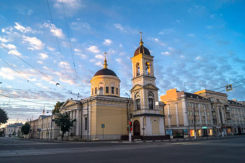 清早在城市 上生大教堂在特维尔市,俄罗斯 免版税库存照片
